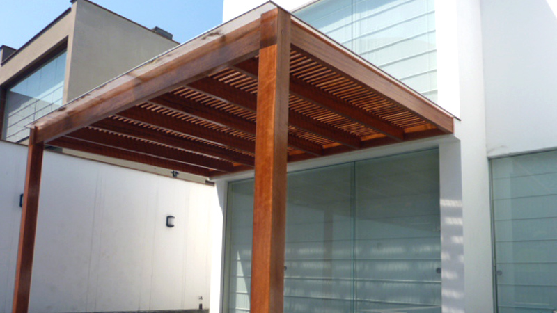 Techos de madera para terrazas de calidad y gran dise o for Tejados de madera modernos
